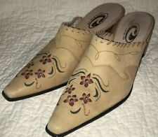 ROPER Tan Leather mule shoe boot Size 7 Pointy Toe Slip On Clogs Flower RODEO