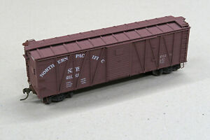 Accurail HO Northern Pacific 9- Panel Wood Boxcar - custom detailed