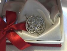 18k solid white gold diamond pendant hevy 8.5g