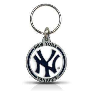 MLB New York Yankees Metal Key Chain Key-ring Keychain by The Hillman Group