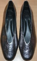LADIES M&S REAL LEATHER METALLIC PUMPS FLAT INSOLIA SHOES SIZE 9 PEWTER SILVER