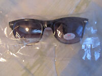 UNISEX SUNGLASSES Black and White UV Protection Brand New in Package
