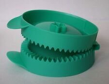 """Tupperware Easy Pie Maker for 4"""" Full Circle Pies New"""