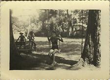 PHOTO ANCIENNE - VINTAGE SNAPSHOT - ENFANT BALANÇOIRE JARDIN MODE - SWING CHILD
