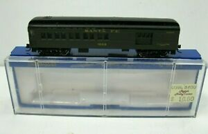 N Scale Bachmann ATSF Santa Fe 65' Passenger Lighted Coach in Plastic Case