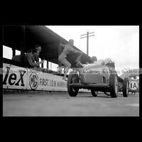 #pha.032092 Photo DOREEN EVANS DURING RELAY RACE MG RACING CAR BROOKLANDS 1935