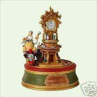 Hallmark  The Merry OldToymakerTabletop Dec w/ Clock
