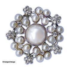 10 x Vintage Pearl Wedding Invitation Cluster Brooch Buckle