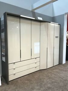 DESIGNER GERMAN MULTI DEPTH WARDROBE BEDROOM FITTED FREE PEBBLE GREY WHITE GLASS