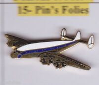 Pin's Folies * Avion plane constellation version dorée rare Demons et merveilles