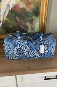 NWT Vera Bradley Large Traveler Duffel Blue Star Medallion New Blue White