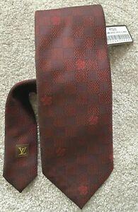 Louis Vuitton, BNWT (£165 NEW) Crav Rayures Gris Clair M73226, Maroon, Silk Tie
