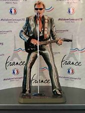 JOHNNY HALLYDAY en figurine de 30cm de hauteur.