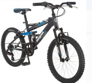 Bicicleta de montaña Mongoose Ledge 2.1, ruedas de 20 pulgadas, 7 velocidades