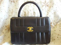 Authentic VINTAGE Chanel Classic Coco Flap CC Logo Lambskin Hand Bag Purse T285