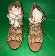 Faux Suede Lace Up Ankle sandals Womens 6-1/2 Block Heel Cutout Tan Mossimo