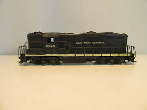 Athearn HO Scale New York Central GP7 Diesel Locomotive.