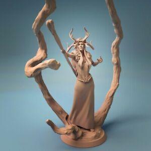 Female Druid Miniature D&D Pathfinder RPG