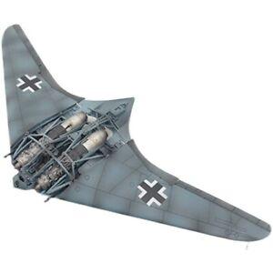 1/72 WWII German Horten Gotha Go 229 1945 Aircraft With Internal Structure Model