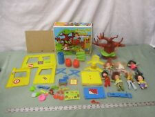 Vtg 1975 Honey Hill Bunch Clubhouse Set & 7 Dolls w/ Instructions & Box EXC COND