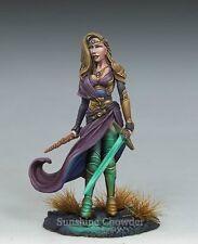 Female Warrior Mage DSM 7448 Visions in Fantasy - Dark Sword Miniatures Pewter