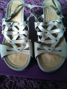 Ladies Clarks Gold Stappy Wedge Heel Evening Shoes Size Uk 6