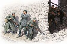 "1/35 ""Who's That!""-6 figures set, WWII 3 German & 3 Sov"