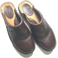 Minnetonka Comfort Shoes Womens Size 7.5 Brown Loafer Moc Flats Leather Slip On