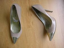LADIES NUDE PATENT GUESS SHOES SIZE 5 (US 7.5M)