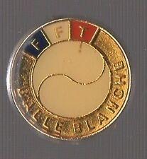 Badge FFT / Fédération Francaise de Tennis / Balle blanche