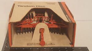 Ertl Allis Chalmers Orange Tandem Disc 1/16 diecast farm implement replica