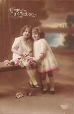 Children Fillettes, Filles, Girls, roses flowers, Gage d'Affection 1920