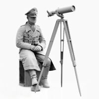1/35 Resin WWII German General W/Equipment (NO Goggles)unpainted unassembled