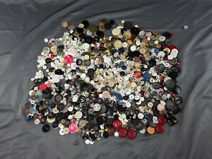 Large Lot Of Vintage Sewing Buttons large Variety 4 lbs / 1 gallon bag full