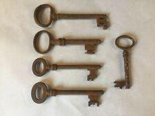Gros lot de 162 anciennes clés de serrure / coffre fort / jouet ...autres