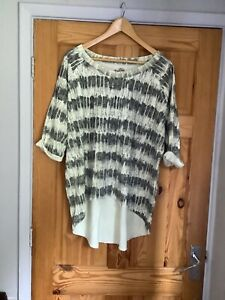 a postcard from brighton size 2 Quirky Top 14/16/18 Oversized