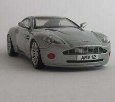 Aston Martin v12 vanquish/maquette de voiture/Collectionneurs/ARGENT/NEUFS/1:43