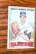 DOOLEY WOMACK SIGNED AUTOGRAPHED 1967 TOPPS CARD # 77 NEW YORK YANKEES