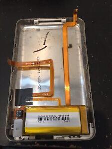 Original Apple iPod classic 5th Generation Back Cover (30 GB) & Headphone Jack