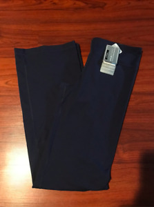 *NWT* Under Armour Women's Perfect Pant - Navy Blue - Medium - 1230000