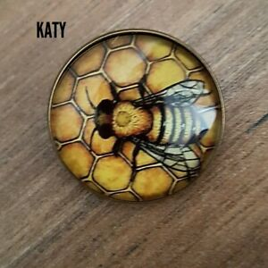 Small Bumble Bee Honeycomb Vintage Look Brooch Broach Glass Pin Lapel Gift