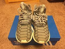 Adidas Men's Tubular Athletic Runner Primeknit Stone White Shoes Size 8 EUC