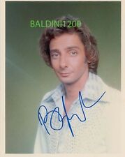 BARRY MANILOW SIGNED 10X8 PHOTO, GREAT STUDIO SHOT IMAGE, LOOKS GREAT FRAMED