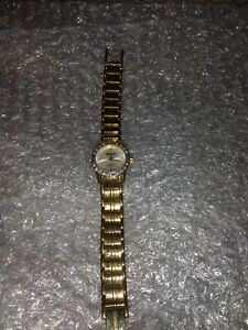 """USED LADIES WORKING INGERSOLL GEMS GOLD PLATED CRYSTAL WATCH 6"""" STRAP"""