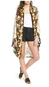 Free People Bali Wrapped In Blooms Shawl White/Ivory OSFA $98