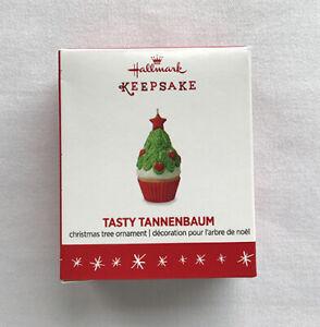 2016 Tasty Tannenbaum ~ Christmas Tree Cupcake ~ Hallmark Miniature Ornament