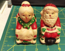 Vintage ceramic Santa & Mrs. Claus Salt & Pepper Shaker set Nice!