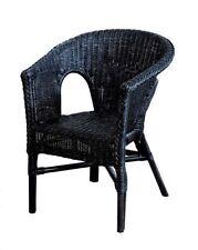 Chaises noires en rotin pour la maison