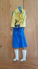 Vintage Sindy 1980s Boots Blue Skirt Yellow Top Clothes Doll Outfit & Camera