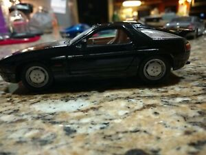 Porsche 928 S4 1:24 scale diecast model toy car loose no box or packaging black